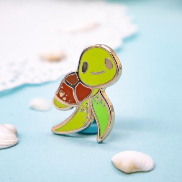 Premium green sea turtle hard enamel pin by Evy Benita