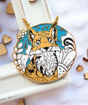 Gold Winter Lynx Enamel Pin