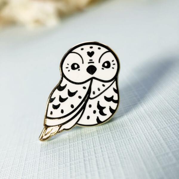 Miniature Polar owl enamel pin by Evy Benita