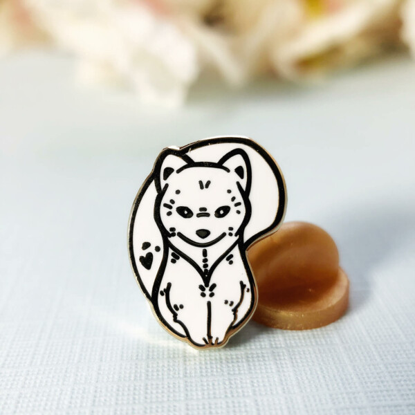 Miniature Arctic fox enamel pin by Evy Benita